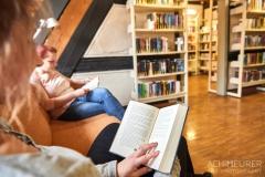 Buch-lesen-in-Pirna-Stadtbibliothek-Kaffeehaus-Cafe_0577