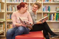 Buch-lesen-in-Pirna-Stadtbibliothek-Kaffeehaus-Cafe_0587