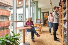 Buch-lesen-in-Pirna-Stadtbibliothek-Kaffeehaus-Cafe_0615