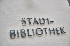 Buch-lesen-in-Pirna-Stadtbibliothek-Kaffeehaus-Cafe_0672