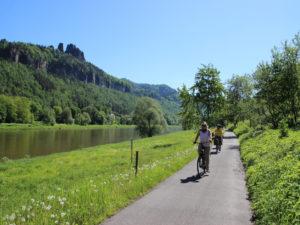 Mit dem E-Bike auf dem Elberadweg © Y. Brückner/TVSSW