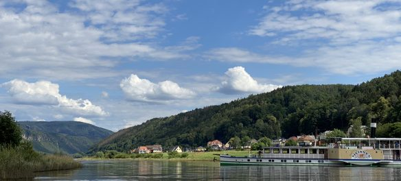 Dampfschiffahrt Elbsandsteingebirge (c) Sabine Meisel