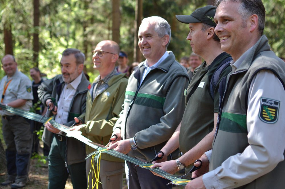 Forest footpath opening (c) ThielPR, Angela Zimmerling