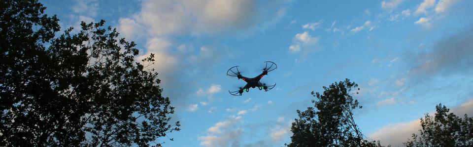 Filmaufnahmen mit Drohnen (c) Frank Kuhn Creative Commons license (flickr)